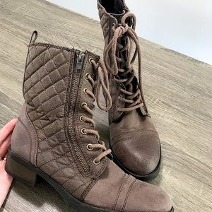 Mossimo Women's brown quilted combat boots 8